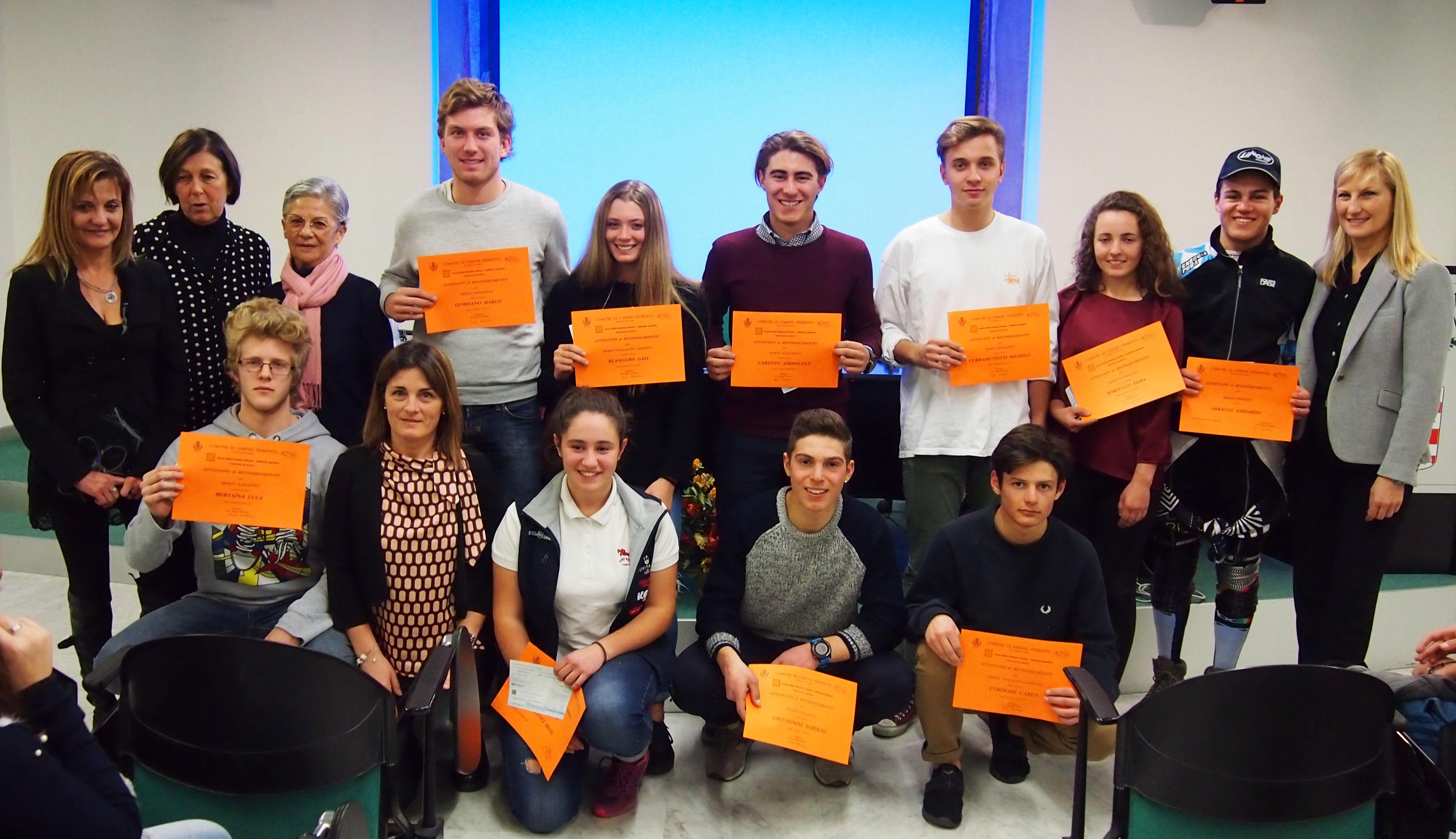 Gli allievi del Liceo Sportivo premiati con le borse di studio 2017 del Comune di Limone