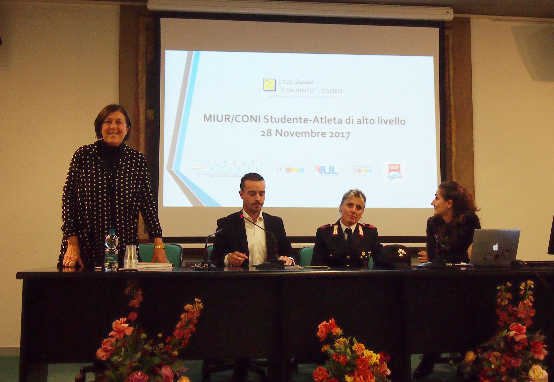La professoressa Mariella Rulfi, il professor Claudio Gastaldi, la campionessa Stefania Belmondo, la professoressa Garino